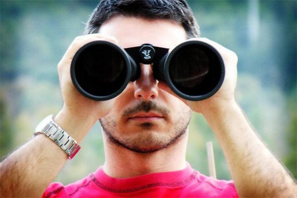 Binoculars looking ofr a rental property